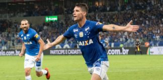 Thiago Neves brilha, e Cruzeiro sai na frente do Corinthians na final